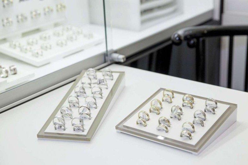 Juwelier Eder: Sortiment von Ehreringen